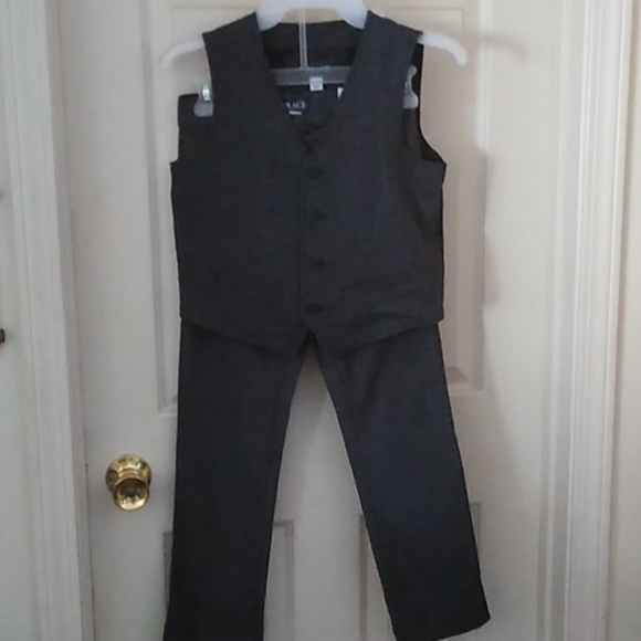 The Children's Place Boys 2 pc Set NWT